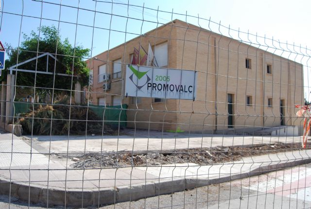 Comienzan las obras de construcción de la Escuela municipal de Padres y la cubrición de la pista polideportiva del C.P. Santa Eulalia, Foto 4