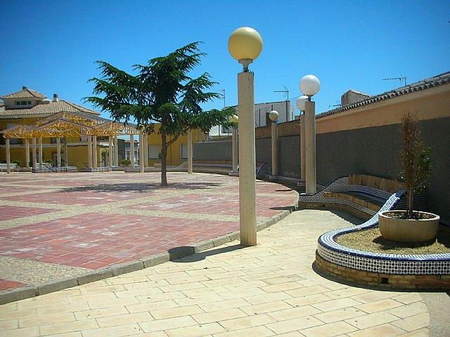 La Consejería de Obras Públicas impulsa la rehabilitación integral de la plaza de la Ermita de San Roque, en Totana, Foto 2