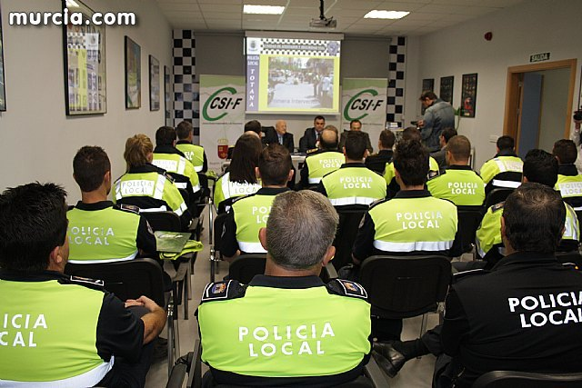 """The Mayor and the Director General of Public Safety and Emergency inaugurate the course """"Attestations and investigation of traffic accidents"""", Foto 1"""