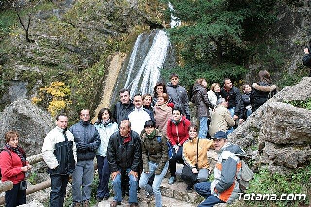 Más de una veintena de senderistas disfrutaron durante el pasado fin de semana de varias rutas en la Sierra del Agua (Albacete), Foto 1