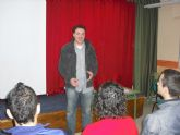 Los alumnos del instituto Prado Mayor participan en un taller para conocer los servicios y recursos prestados por el CDL