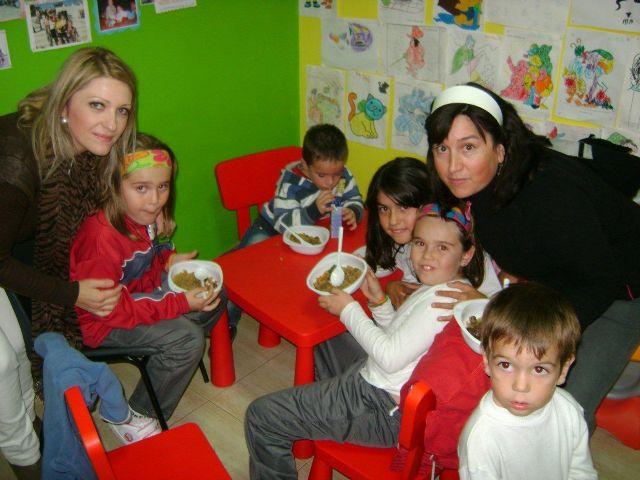 Implicación de padres y madres en las actividades de la eduteca Parchís del barrio Tirol-Camilleri, Foto 1