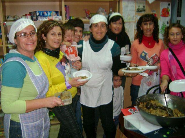 Implicación de padres y madres en las actividades de la eduteca Parchís del barrio Tirol-Camilleri, Foto 3