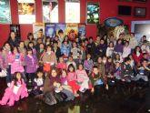 Más de cincuenta niños de las cinco edutecas de Totana disfrutaron de una tarde de cine en animación en 3D en Murcia
