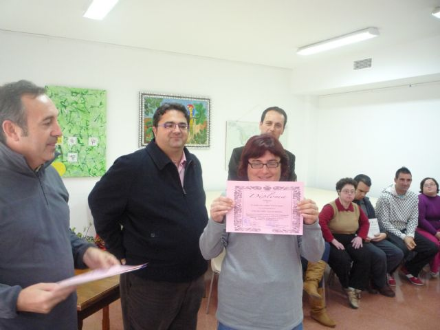 A total of 17 users of the Municipal Service Psychosocial participate in a computer course - 3