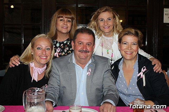 Un grupo de amigas, afectadas y supervivientes del Cáncer de mama se reúnen un año más con motivo del Día Mundial contra el Cáncer de mama - 3, Foto 3