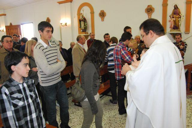 Autoridades municipales acuden a Raiguero Alto donde se celebró una misa en la ermita de Santo Domingo, Foto 2