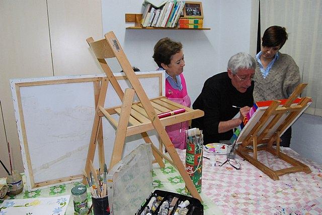 Women Councilwoman visit the paint shop of the Association of Working Women Totana - 3