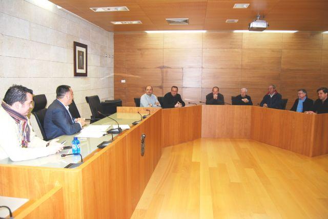 El alcalde y el concejal de Urbanismo se reúnen con la junta directiva de AEMCO, Foto 1