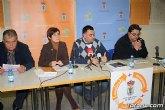 Decenas de vecinos participan en la asamblea vecinal en El Paretón-Cantareros
