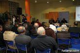 Decenas de vecinos participan en la asamblea vecinal en El Paretón-Cantareros - 11