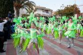 Más de mil personas protagonizan el desfile de Carnaval 2011