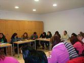 Más de 50 personas participan en el curso de cuidados a la infancia