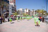 Espectacular desfile por el paseo de Puerto de Mazarrón