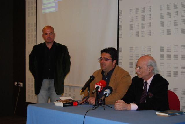 The Councillor for Citizen Participation attends the presentation of the latest issue of Antonio García Trevijano - 2