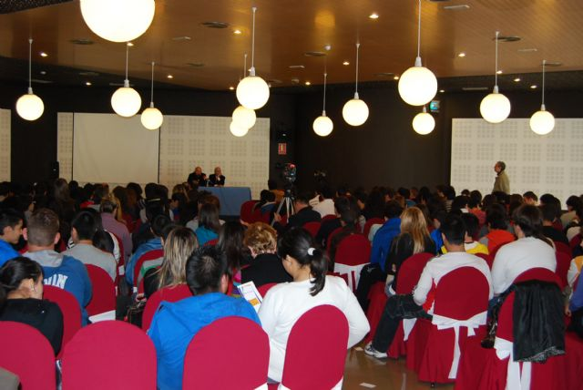 The Councillor for Citizen Participation attends the presentation of the latest issue of Antonio García Trevijano - 3