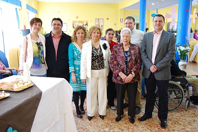 "Users and relatives of the residence ""La Purisima"" participate in an open day - 3"