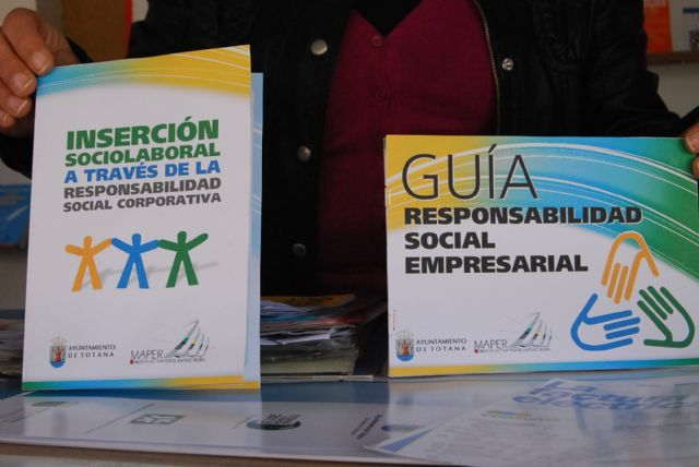 Totana citizens receive information on trade and responsible consumption in order to protect the environment - 2
