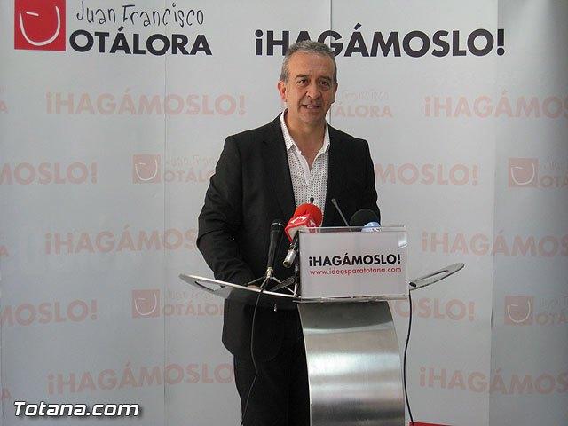 Rueda de prensa PSOE Totana. Otálora 01/04/2011, Foto 1
