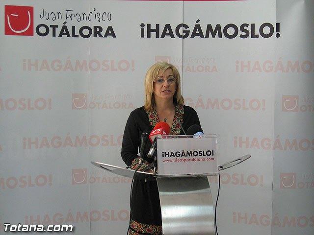 Rueda de prensa PSOE Totana. Belén Muñiz, Foto 1