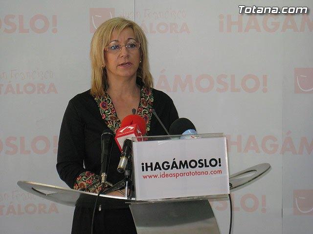 Rueda de prensa PSOE Totana. Belén Muñiz, Foto 2
