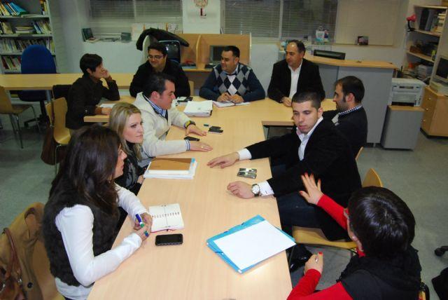 La Junta de Gobierno Local aprueba la concesión de ayudas a jóvenes totaneros que estudian fuera de España a través del programa Erasmus, Foto 1