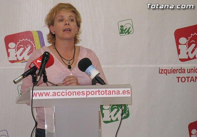 Lali Moreno: Exigimos la retirada de la Ley de Medidas Extraordinarias para mantener las plantillas de docentes y la calidad de la Enseñanza, Foto 1