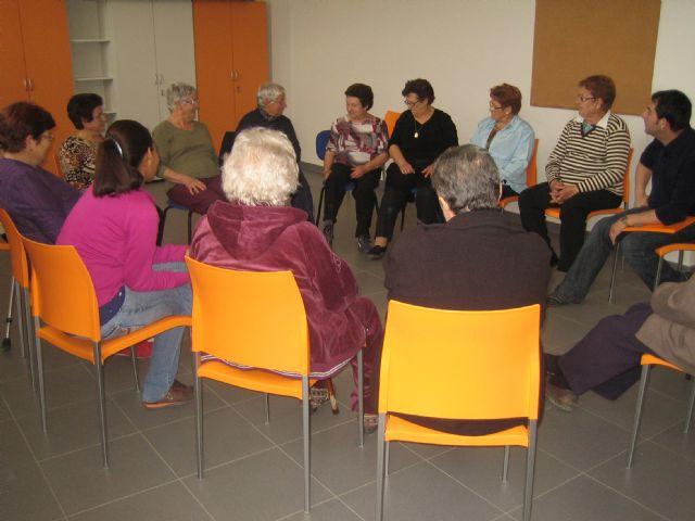 Comienza el programa de actividades de primavera en el Centro Municipal de Personas Mayores de Paretón-Cantareros, Foto 1