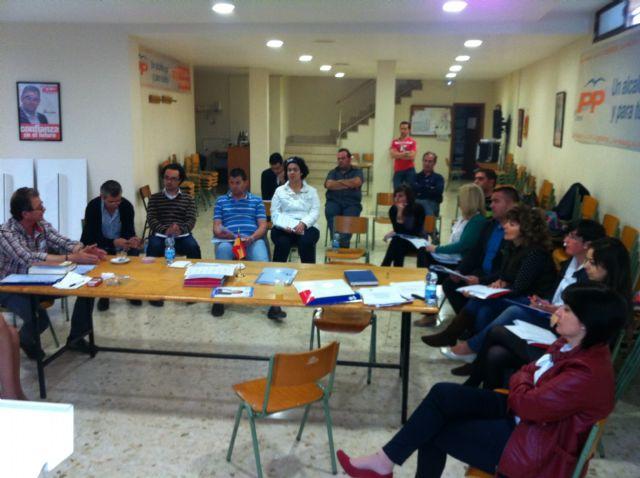 Isabel María Sánchez Ruíz y los integrantes de su candidatura trabajan en la confección de una veintena de actos, Foto 2