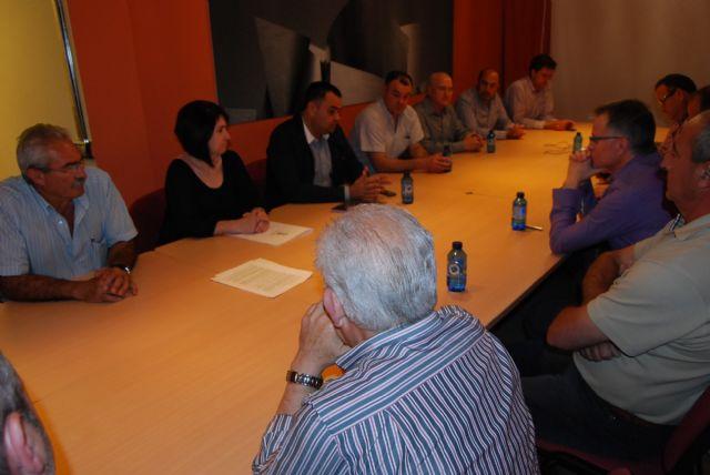 La candidata a la alcaldía, Isabel María Sánchez Ruíz, se está reuniendo con los colectivos sociales y productivos, Foto 2