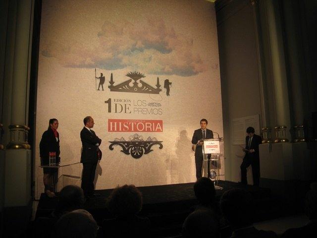 El consejero de Cultura recibe el premio ´Conservación del Patrimonio Histórico´ que concede la revista ´La Aventura de la Historia´, Foto 1