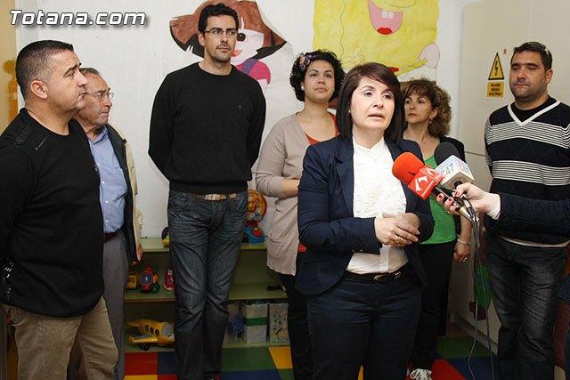 La candidata del PP anuncia, entre las propuestas de educación, la construcción de una nueva guardería municipal, Foto 1