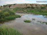 IU-Verdes pone en evidencia la nefasta depuración de aguas, demostrando la contaminación en el lecho del Río Guadalentín - 1
