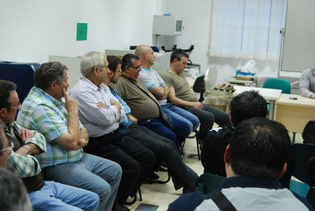 La candidata a la alcaldía por el PP se reúne con los trabajadores de la empresa municipal CEDETO, Foto 2