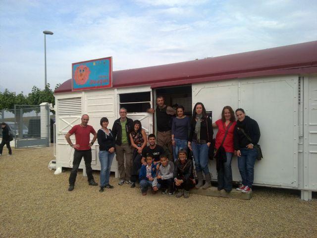 Técnicos de asociaciones de varios puntos de España se interesan por la dinámica de trabajo desarrollada en las edutecas de la localidad, Foto 2