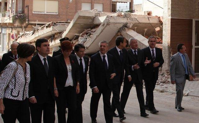 Centenares de personas y empresas se ofrecen para ayudar a los damnificados del terremoto, Foto 2