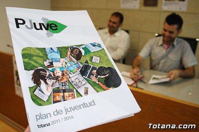 Presentan la publicación del Plan Municipal de Juventud (2011-2014), Foto 1