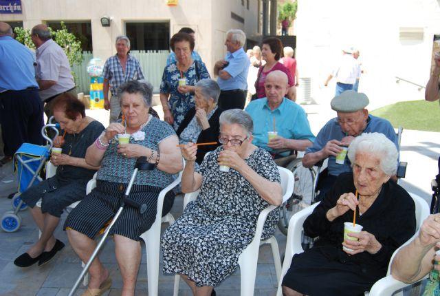 El Centro Municipal de Personas Mayores de Totana celebra la próxima semana su programa de Fiestas 2011, Foto 1