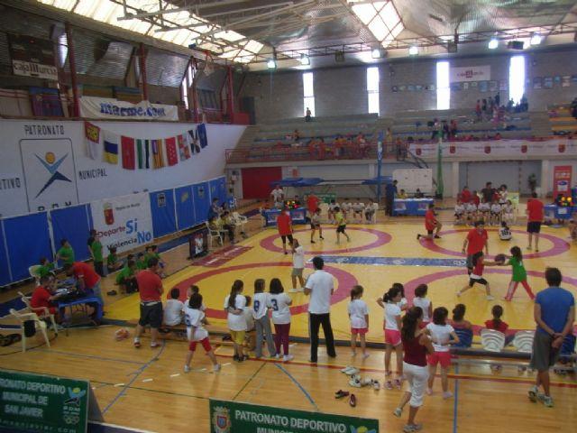 Sesenta alumnos de los colegios Reina Sofia, Tierno Galván y Santiago participaron en la final regional de Deporte Escolar de Nano Nana Práctica Grecorromana, Foto 5