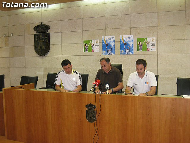 La concejalía de Deportes presenta un refrescante programa de actividades del verano para niños, jóvenes y adultos, Foto 1