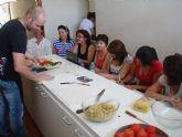 Un total de veinte alumnos se inician en el mundo de la cocina