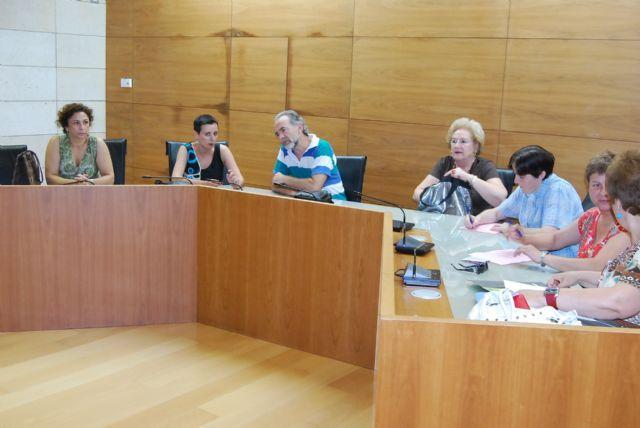 La alcaldesa y la nueva concejal de Educación se reúnen con los directores de los Centros Educativos, Foto 3