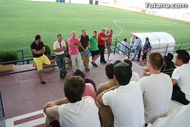Se celebra la primera convocatoria de futbolistas para confeccionar la plantilla del Olímpico de Totana que competirá en Territorial Preferente, Foto 1