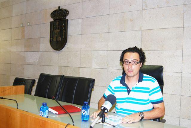 El portavoz del Gobierno municipal asegura que el Pleno aprueba las primeras medidas para contener la deuda municipal, Foto 1