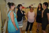 Autoridades municipales visitan el Servicio de Integración Sociolaboral de FAMDIF-COCEMFE en Murcia para conocer sus servicios