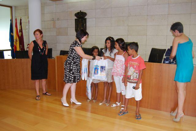 Autoridades municipales ofrecen una recepción institucional a los cuatro niños saharauis acogidos por familias totaneras, Foto 2