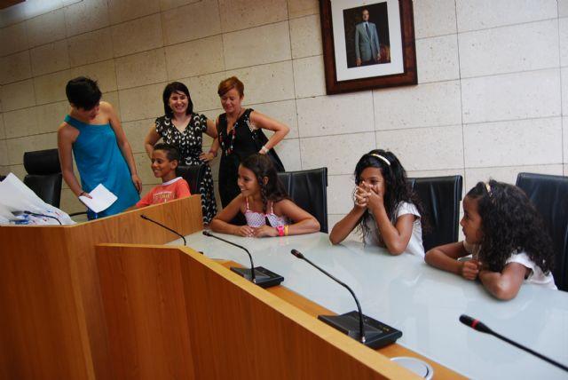 Autoridades municipales ofrecen una recepción institucional a los cuatro niños saharauis acogidos por familias totaneras, Foto 3