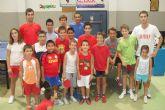 Gran acogida de la escuela de verano de tenis de mesa entre los jóvenes