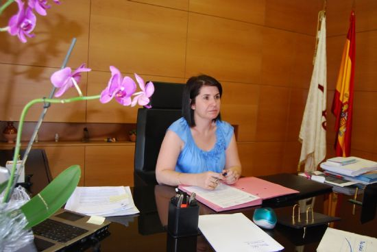 La alcaldesa de Totana asegura que el servicio de electricidad de las dependencias municipales se establecerá esta semana, Foto 1