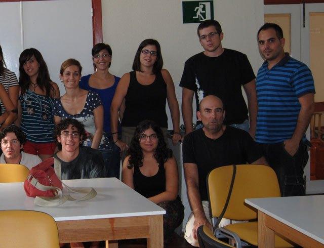 Cerca de una treinta de jóvenes participan en el curso sobre Técnicas de educación ambiental en espacios naturales, Foto 3